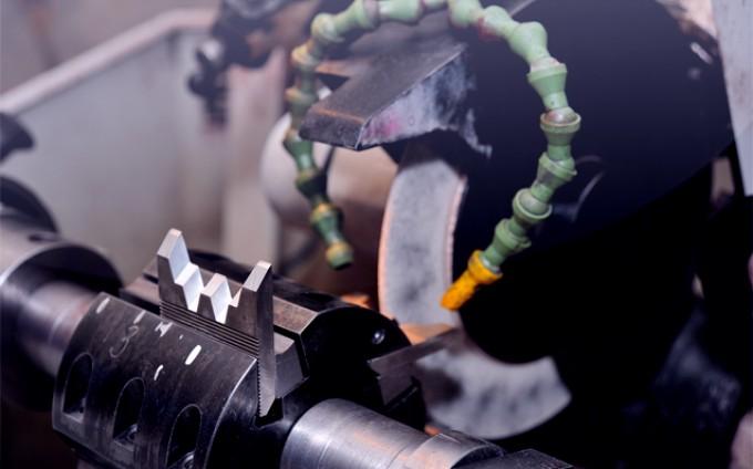 Заточка деревообрабатывающего инструмента с режущими элементами из поликристаллического алмаза